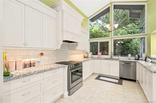 Photo 9: 948 Kentwood Terr in Saanich: SE Broadmead House for sale (Saanich East)  : MLS®# 844332