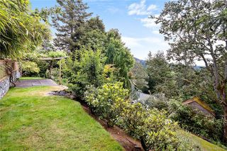 Photo 43: 948 Kentwood Terr in Saanich: SE Broadmead House for sale (Saanich East)  : MLS®# 844332