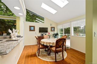 Photo 13: 948 Kentwood Terr in Saanich: SE Broadmead House for sale (Saanich East)  : MLS®# 844332