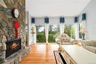 Photo 5: 948 Kentwood Terr in Saanich: SE Broadmead House for sale (Saanich East)  : MLS®# 844332