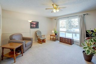 Photo 3: 231 MIDRIDGE CR SE in Calgary: Midnapore RES for sale : MLS®# C4287792