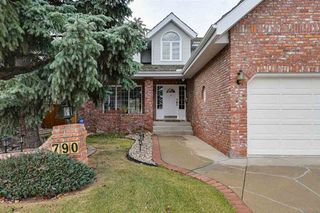 Photo 2: 790 WHEELER Road W in Edmonton: Zone 22 House for sale : MLS®# E4220331