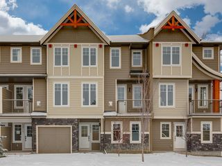 Photo 1: 2822 1 Street NW in Calgary: Tuxedo Park Row/Townhouse for sale : MLS®# A1050619