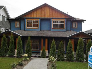 Photo 1: 421 E 4TH Street in North Vancouver: Lower Lonsdale House 1/2 Duplex for sale : MLS®# V809290