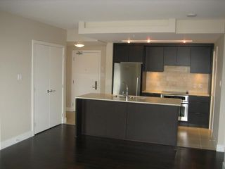"Photo 4: 1701 158 W 13TH Street in North Vancouver: Central Lonsdale Condo for sale in ""Vista"" : MLS®# V842095"