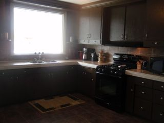 Photo 2: 764 PRITCHARD Avenue in WINNIPEG: North End Residential for sale (North West Winnipeg)  : MLS®# 1014912