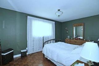 Photo 5: 10 Sir Bodwin Place in Markham: House (Bungalow) for sale (N11: LOCUST HIL)  : MLS®# N1949171