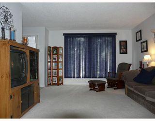 Photo 2: 7 ERIN PARK Bay SE in CALGARY: Erinwoods Residential Detached Single Family for sale (Calgary)  : MLS®# C3346251