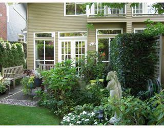 "Photo 1: 668 W 26TH Avenue in Vancouver: Cambie Townhouse for sale in ""GRACE ESTATES"" (Vancouver West)  : MLS®# V738149"