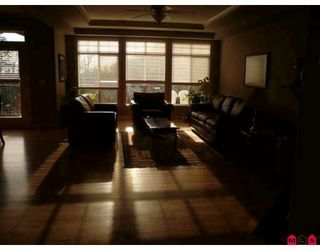 Photo 2: 31804 THORNHILL Place in Abbotsford: Abbotsford West House for sale : MLS®# F2900639