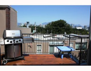 "Photo 10: 828 W 7TH Avenue in Vancouver: Fairview VW Townhouse for sale in ""CASA DEL ARROYA"" (Vancouver West)  : MLS®# V779570"
