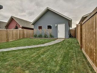Photo 2: 5044 Orchards Gate in Edmonton: Zone 53 House for sale : MLS®# E4175733
