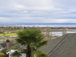 "Photo 3: 217 MORNINGSIDE Drive in Delta: Pebble Hill House for sale in ""MORNINGSIDE"" (Tsawwassen)  : MLS®# R2431224"