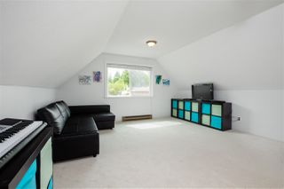 Photo 34: 16197 11B Avenue in Surrey: King George Corridor House for sale (South Surrey White Rock)  : MLS®# R2465330