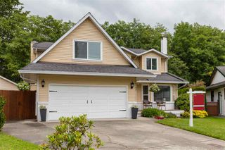 Photo 2: 16197 11B Avenue in Surrey: King George Corridor House for sale (South Surrey White Rock)  : MLS®# R2465330