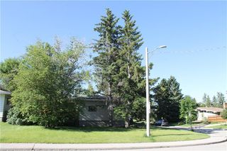 Photo 28: 1408 ST ANDREWS Place NW in Calgary: St Andrews Heights Detached for sale : MLS®# C4306335