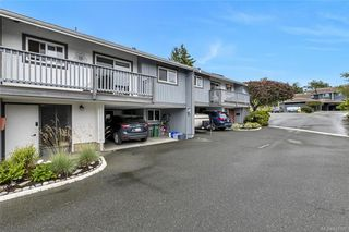 Photo 3: 5 4391 Torquay Dr in Saanich: SE Gordon Head Row/Townhouse for sale (Saanich East)  : MLS®# 841927