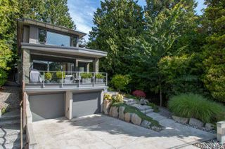 Photo 1: 2491 HAYWOOD Avenue in West Vancouver: Dundarave House for sale : MLS®# R2490387