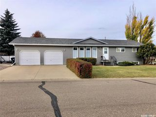 Photo 1: 161 Janet Place in Battleford: Residential for sale : MLS®# SK830498