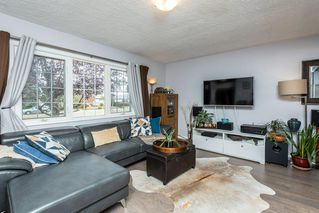 Photo 5: 11823 132 Avenue in Edmonton: Zone 01 House for sale : MLS®# E4217978
