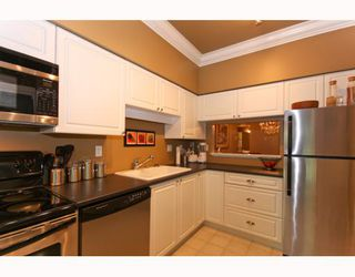 """Photo 8: 104 2253 WELCHER Avenue in Port Coquitlam: Central Pt Coquitlam Condo for sale in """"ST. JAMES GATE"""" : MLS®# V785959"""