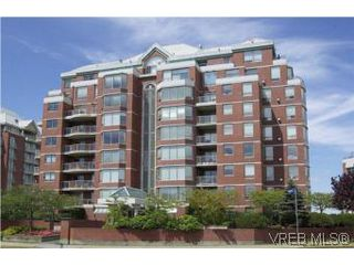 Photo 2: 400 630 Montreal St in VICTORIA: Vi James Bay Condo for sale (Victoria)  : MLS®# 522102