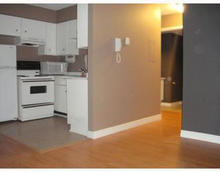 Photo 2: 12 430 E 8TH Avenue in Vancouver: Mount Pleasant VE Condo for sale (Vancouver East)  : MLS®# V804929