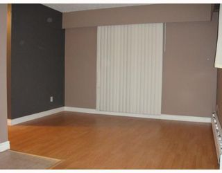 Photo 3: 12 430 E 8TH Avenue in Vancouver: Mount Pleasant VE Condo for sale (Vancouver East)  : MLS®# V804929