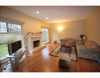 "Photo 2: 36 8551 GENERAL CURRIE Road in Richmond: Brighouse South Townhouse for sale in ""THE CRESCENT"" : MLS®# V751217"