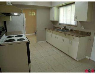 "Photo 3: 13809 HARPER Road in Surrey: Bolivar Heights House for sale in ""BOLIVAR HEIGHTS"" (North Surrey)  : MLS®# F2906215"