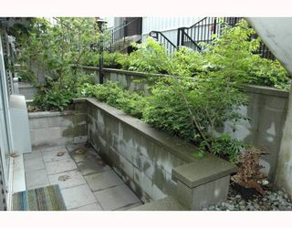 """Photo 10: 684 W 6TH Avenue in Vancouver: Fairview VW Townhouse for sale in """"BOHEMIA"""" (Vancouver West)  : MLS®# V765144"""