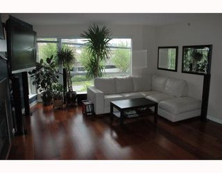"""Photo 2: 684 W 6TH Avenue in Vancouver: Fairview VW Townhouse for sale in """"BOHEMIA"""" (Vancouver West)  : MLS®# V765144"""