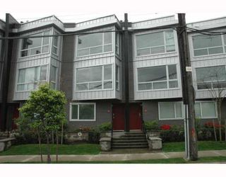 """Photo 1: 684 W 6TH Avenue in Vancouver: Fairview VW Townhouse for sale in """"BOHEMIA"""" (Vancouver West)  : MLS®# V765144"""