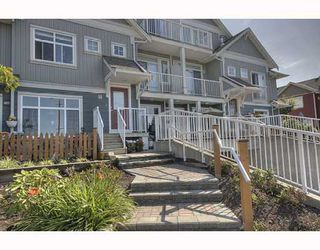 Photo 1: 3 6300 LONDON Road in Richmond: Steveston South Townhouse for sale : MLS®# V776905
