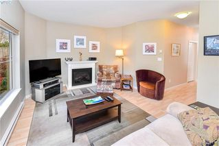 Photo 8: 1967 Polo Park Crt in SAANICHTON: CS Saanichton Row/Townhouse for sale (Central Saanich)  : MLS®# 833589