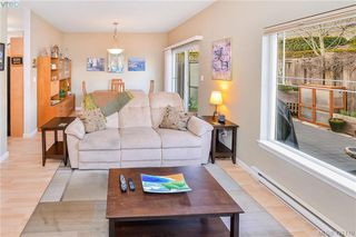 Photo 10: 1967 Polo Park Crt in SAANICHTON: CS Saanichton Row/Townhouse for sale (Central Saanich)  : MLS®# 833589