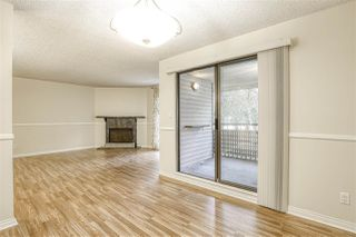 "Photo 5: 10537 HOLLY PARK Lane in Surrey: Guildford Townhouse for sale in ""Holly Park"" (North Surrey)  : MLS®# R2438495"