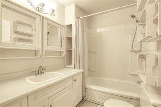 "Photo 17: 10537 HOLLY PARK Lane in Surrey: Guildford Townhouse for sale in ""Holly Park"" (North Surrey)  : MLS®# R2438495"