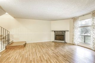 "Photo 3: 10537 HOLLY PARK Lane in Surrey: Guildford Townhouse for sale in ""Holly Park"" (North Surrey)  : MLS®# R2438495"