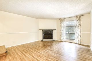 "Photo 2: 10537 HOLLY PARK Lane in Surrey: Guildford Townhouse for sale in ""Holly Park"" (North Surrey)  : MLS®# R2438495"