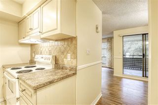 "Photo 12: 10537 HOLLY PARK Lane in Surrey: Guildford Townhouse for sale in ""Holly Park"" (North Surrey)  : MLS®# R2438495"