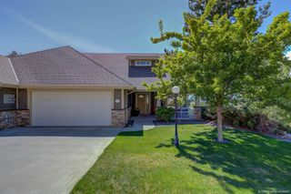 Photo 1: 5197 Silverado Place, in Kelowna: House for sale : MLS®# 10200173