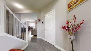 Photo 2: 1631 19 Street NW in Edmonton: Zone 30 House for sale : MLS®# E4204540