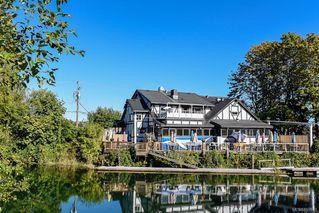 Photo 3: 975 Comox Rd in : CV Courtenay City Mixed Use for sale (Comox Valley)  : MLS®# 855883