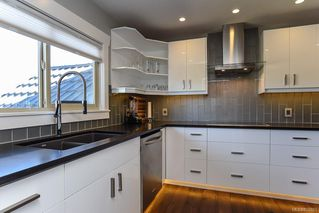 Photo 49: 975 Comox Rd in : CV Courtenay City Mixed Use for sale (Comox Valley)  : MLS®# 855883