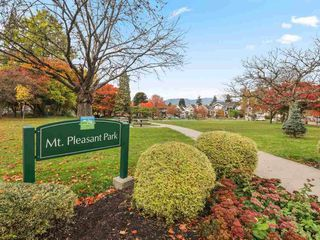 """Photo 22: 304 3010 ONTARIO Street in Vancouver: Mount Pleasant VE Condo for sale in """"NEW YORK ON YORK"""" (Vancouver East)  : MLS®# R2519534"""