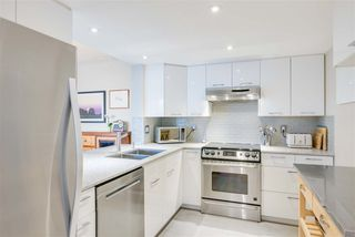 """Photo 8: 1206 121 TENTH Street in New Westminster: Downtown NW Condo for sale in """"Vista Royale"""" : MLS®# R2525763"""
