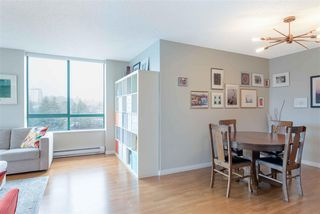 """Photo 3: 1206 121 TENTH Street in New Westminster: Downtown NW Condo for sale in """"Vista Royale"""" : MLS®# R2525763"""