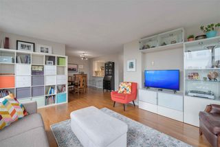 """Photo 5: 1206 121 TENTH Street in New Westminster: Downtown NW Condo for sale in """"Vista Royale"""" : MLS®# R2525763"""