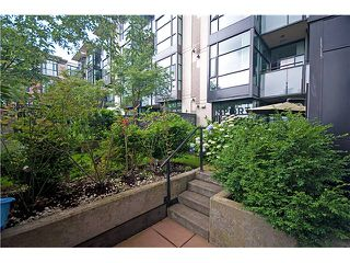 "Photo 10: 110 2515 ONTARIO Street in Vancouver: Mount Pleasant VW Condo for sale in ""Elements"" (Vancouver West)  : MLS®# V838279"